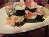 はなの舞 守谷西口店のカニといくらのこぼれ巻き寿司の写真