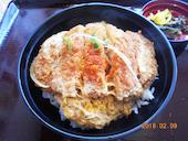 麺勝 中津店のカツ丼小うどんセットの写真