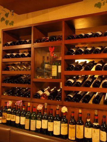 池袋といえば都内有数の巨大ターミナルで、数多くの飲食店がひしめく街でもあります。今回はそんな池袋で、本格ワインを堪能できるお店をご紹介。世界中から厳選したワインを中心に、ワインの味をさらに引き立たせる…