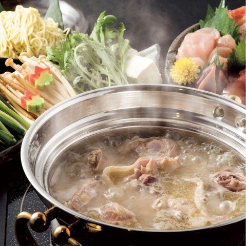 寒い季節になると無性に食べたくなる鍋。あなたはどんな鍋が好きですか?寄せ鍋?チゲ鍋?それとももつ鍋?様々な鍋がありますが、そのなかでも特に水炊きが好きというもかたも多いのではないでしょうか?鶏肉やキャ…