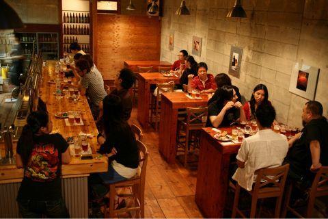 地方のクラフトビールのブルワリーが東京にお店を持ったり、最近出店めざましいクラフトビールのお店。カジュアル感が適度にあってお店の雰囲気も良いので、女性にも支持を伸ばしています。そこで今回は、渋谷の街か…