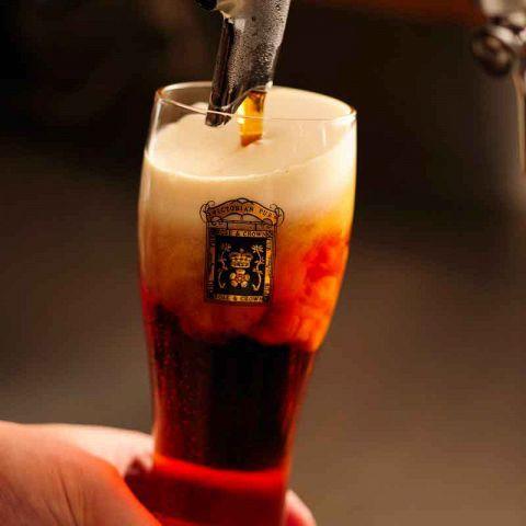 夜に飲むビールもおいしいですが、さんさんと夏の太陽が照りつける昼間に流し込むビールもまた格別!仕事が早く切り上がった時や、お休みの日に同期や友人と待ち合わせて飲むなら、ゆったり『昼呑み』を楽しみません…