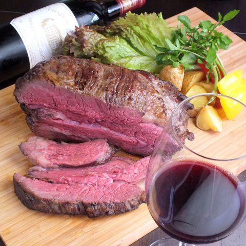 今回は、船橋にある絶品のお肉料理店についてご紹介いたします。高級でこだわりのお肉料理とお肉に合う美味しいお酒を、上質な空間で楽しむことができるお店ばかりです。会話も弾む雰囲気の良い店内ばかりで大人デー…